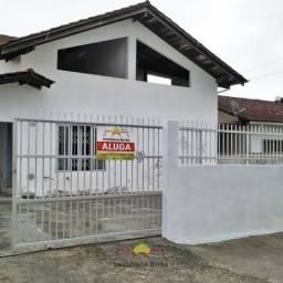 Casa com 03 Quartos sendo 01 Suíte no Petrópolis