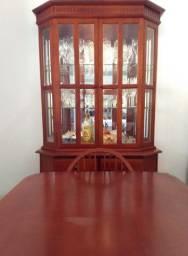 Cristaleira + mesa com 6 cadeiras