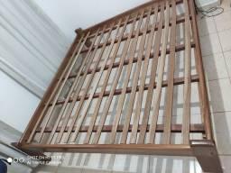 Cama de madeira (Para colchão Queen Size)
