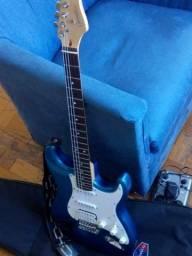 Guitarra Giannini Stratocaster semi usada.