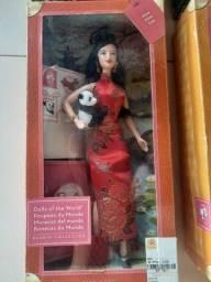 Título do anúncio: Bonecas barbies originais de coleção novas ainda na caixa
