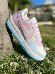 Título do anúncio: Tênis Nike Air Force que muda de cor no sol.
