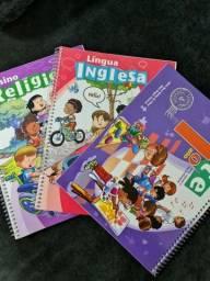 3 livros escola adventiventista, 1 ano, Religião, inglês e artes