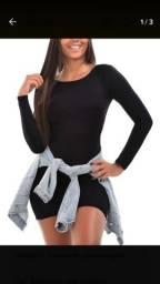 Vestido curto canelado manga longa preto e bordo tam médio