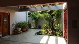 Título do anúncio: Casa com 3 dormitórios para alugar, 227 m² por R$ 5.400/mês - Vila das Hortências - Jundia