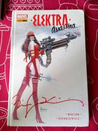 Elektra assassina capa dura. Autografado por Bil sienkiewicz.