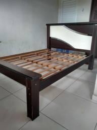 Título do anúncio: Vende-se uma cama de casal valor R$=130,00