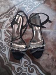 Sandália alta