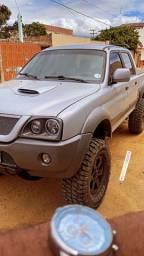 L200 outdoor