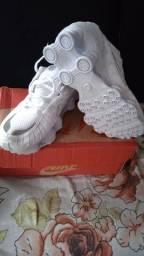 Nike 12 molas novo 41