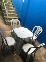 Título do anúncio: Jogo de mesa e 4 cadeiras