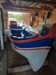Vende-se canoa de 6,65 metros