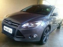 Ford Focus Hatch SE 1.6 - 2014 TOP - 2014