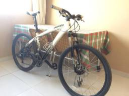 MTB Specialized P1 All Mountain Tam. M aro 26?