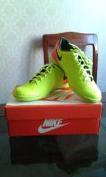 Chuteira Futsal Nike Magista Amarelo Limão e Rosa