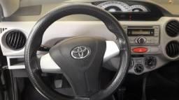 Etios Toyota 1.3 - 2013