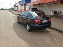 Vende-se esse Polo sedan motor 1.60 completo 2009/2019 por 18 mil reais - 2009