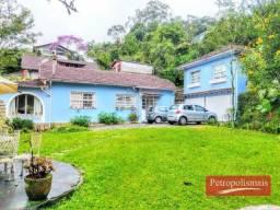 Quitandinha- Casa com três suites