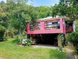 Imóvel em Terreno Amplo, 5 Dormitórios em Morro Reuter