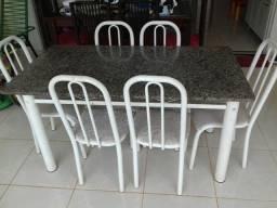 Mesa com cadeiras BARATA- Araguari