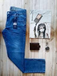 Combo calça jeans + camiseta e carteira