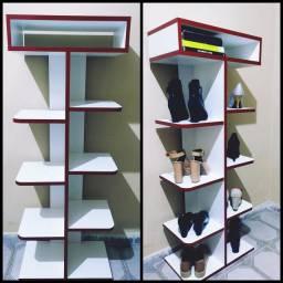 Sapateira vertical e porta livros