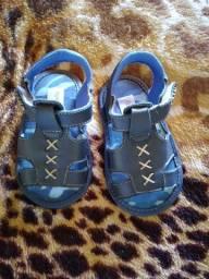 Calçados & Roupas infantis