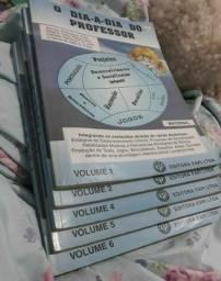 Título do anúncio:  <br>Lote de vários  livros de aluno e professor  50,00 -Mooca sp
