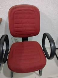 Cadeira estofada tenho 2 unisades