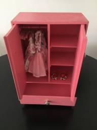 Armário de boneca