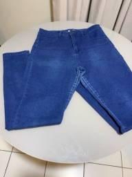 Título do anúncio: Calça jeans, tam 44, marca: Forever 21.
