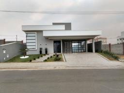 Título do anúncio: Casa com 3 dormitórios à venda, 230 m² por R$ 1.200.000,00 - Village São Luiz - Poços de C