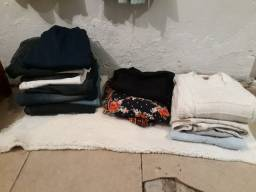 Lote de roupas  no total 100 peças