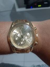 Título do anúncio: Relógio dourado MK