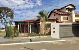 Casa Grande no Jd Tv Morena (Bairro Nobre) frente à praça perto shopping Campo Grande