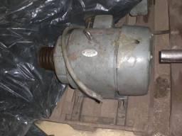 Motor elétrico 5 CV 880 RPM Trifásico