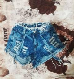 Shorts jeans usados poucas vezes!