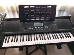 Vende-se teclado Revas com suporte