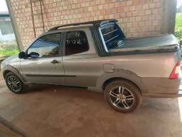 Vende-se Fiat Strada 2013