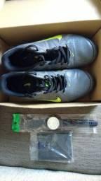 Tenis Nike, relógio e carteira (top)