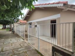 Casa com Jabuticabeiras Hidrolândia