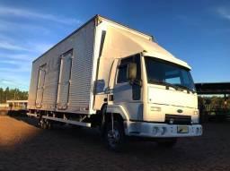 Título do anúncio: Caminhão Ford Cargo 815 4x2 Cabine Leito Ano 2011