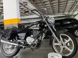 Título do anúncio: Moto custom Kansas 150 apenas 4.500 km rodados