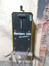 Título do anúncio: Vendo máquina de solda transformadora esab 250Aperes
