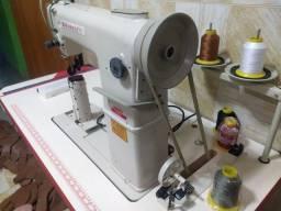 Título do anúncio: Máquina de costura Coluna ainda na garantia