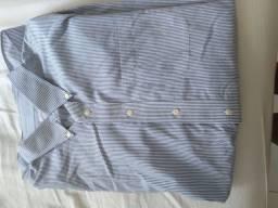 Camisa azul listrada usada