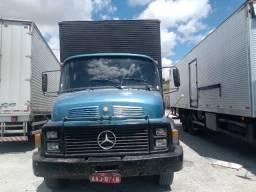 Caminhão Mercedes 1113 trucado