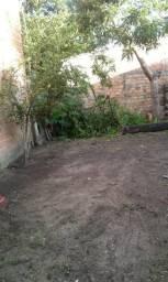 Vendo um terreno em Águas lindas bem localizado,próximo a feira,escola e posto de saúde