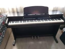 Vende-se Piano digital Waldman seminovo