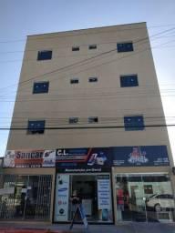 Prédio com 6 apartamentos e 3 lojas em Linhares